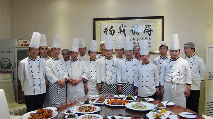万博官方manbetx下载花餐饮厨师团队